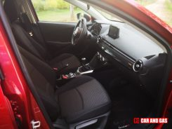 Asientos tela negra Mazda 2 Black Tech Edition