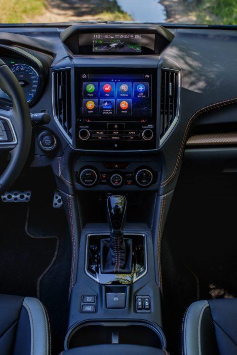 Subaru XV ECO HYBRID interior (39)