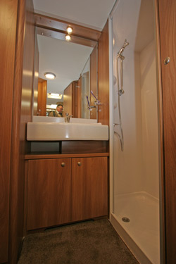 Swift Conqueror 480 Washroom