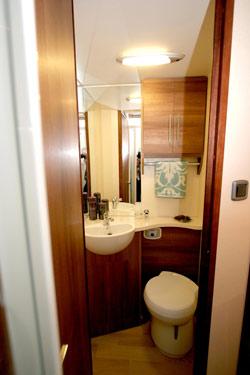 INOS washroom and toilet