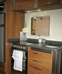 Fifth-Wheel-Inos-single-axle-kitchen-area