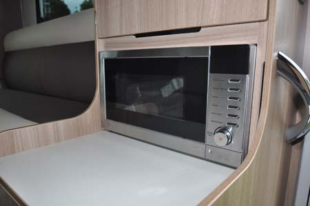 Adria Matrix Axess cooking facilities