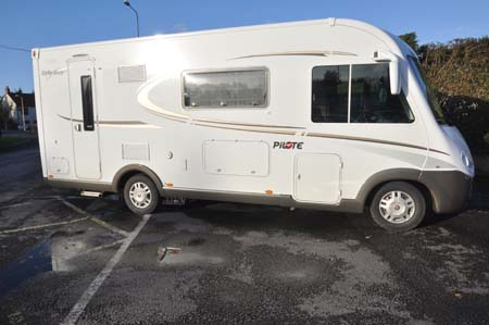 Pilote Reference G690LR Motorhome - Exterior