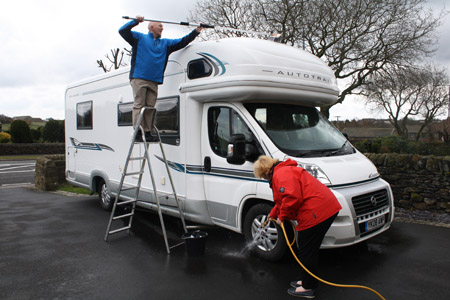 How to clean a motorhome exterior