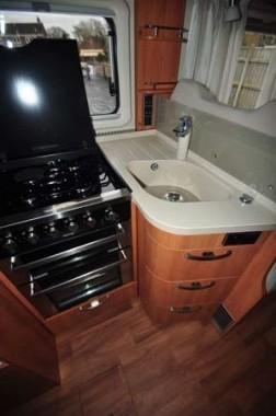Hymer T-SL 668 Kitchen