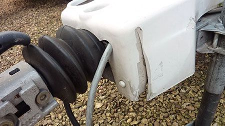 damaged cracked caravan hitch