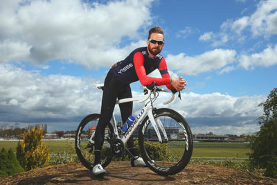 bradley-wiggins-on-bike