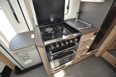 Hymer MLT57060 Kitchen
