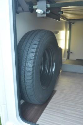 Benimar Mileo 301 spare wheel