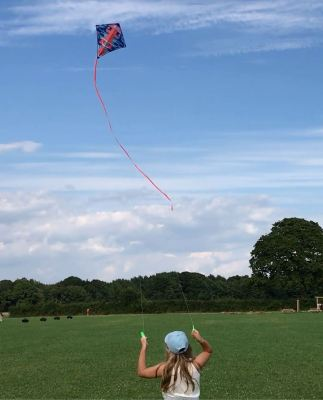 things to do - fly a kite