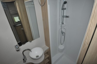 Xplore 422 Washroom