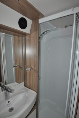 Swift Elegance 530 Shower