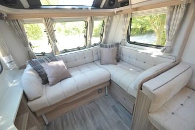 Coachman Pastiche 470 lounge