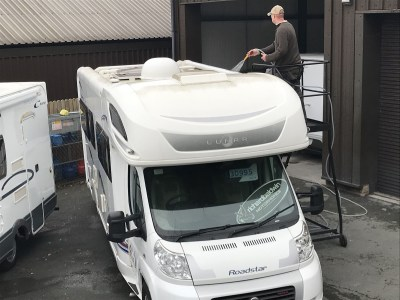 Motorhome roof cleaning