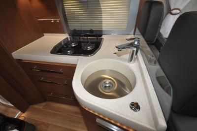 Niesmann+Bischoff Arto 88F motorhome kitchen