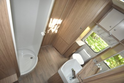 2019 Coachman Laser 650 caravan washroom