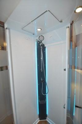 Rapido Distinction i1090 shower