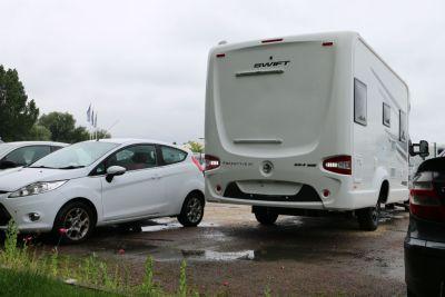 Reverse parking between other vehicles