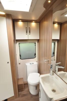 2020 Swift Sprite Super Quattro EB caravan washroom