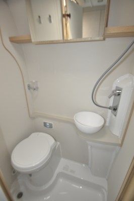 2020 Elddis Autoquest CV60 washroom