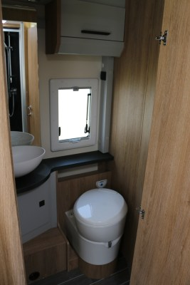 2020 Roller Team T-Line 743 motorhome washroom