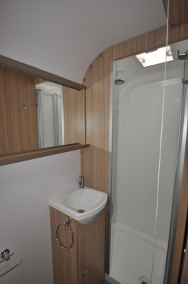 2021 Bailey Phoenix+ 644 caravan washroom