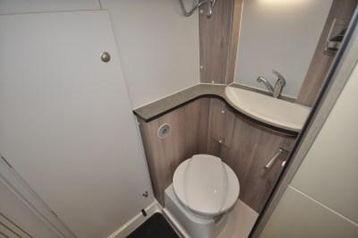 Solaris XL toilet