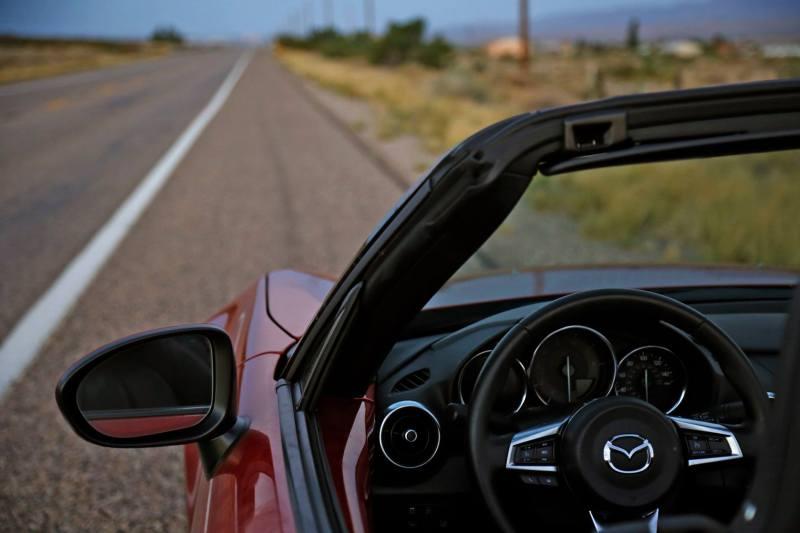 2016 Mazda MX-5 Miata (21)