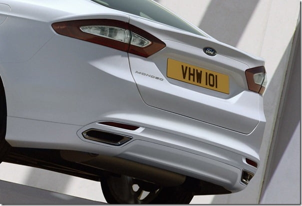 2013-Ford-Mondeo-6