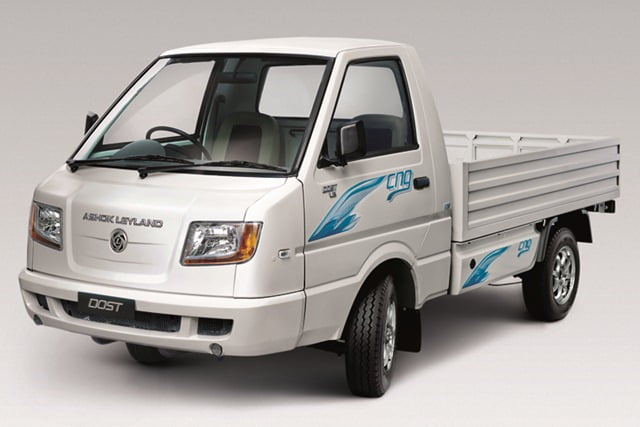 Ashok Leyland STILE MPV Based On Nissan NV200 Showcased At