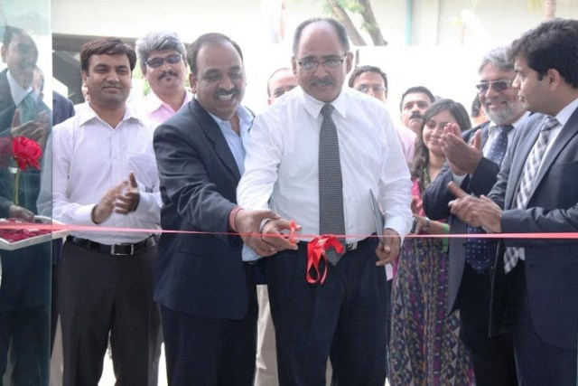 L to R - Mr. Neelesh Naik, Managing Director Millennium Drive and Mr. Ravi Bhatia, Head- Business Development, FIAT Group Automobiles India Private Limited cutting the ribbon