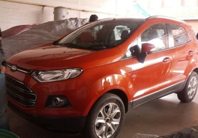 Ford EcoSport At Delhi Dealership (3)