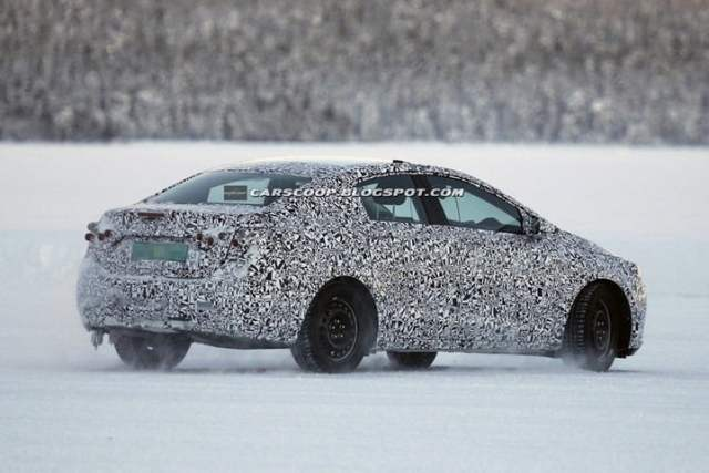 2014 Chevrolet Cruze Spy Pictures (3)