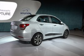 2014 Hyundai Xcent Rear Right Quarter