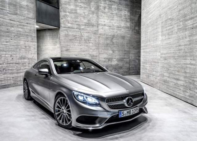 2015 Mercedes-Benz S-Class Coupe Front Right Quarter