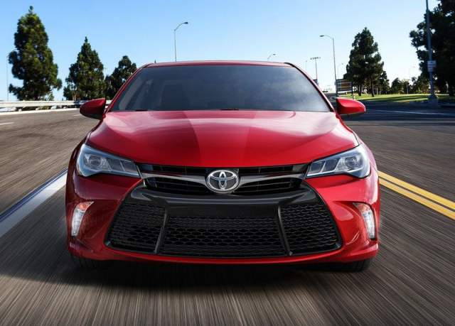 2015 Toyota Camry Front