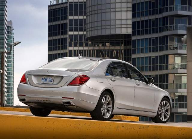 Mercedes-Benz S350 CDI Rear Right Quarter