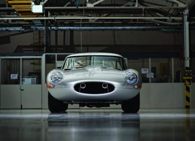 2014 Jaguar Lightweight E-Type Front Low Angle