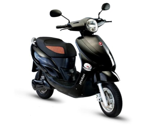 Hero Photon Electric Scooter Front Right Quarter