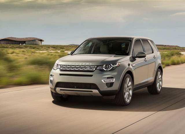 2015 Land Rover Discovery Sport Front Left Quarter Dynamic