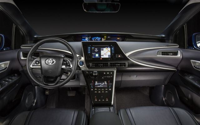 New-Toyota-Mirai-fuel-cell-car-8.jpg.pagespeed.ce.EB3d0xm2rg