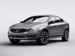 2016-volvo-s60-cross-country-images-front-quarter