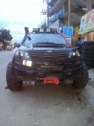 XUV500 INtrepid front