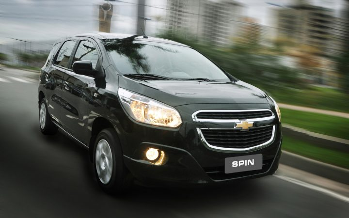 upcoming new car launches india 2016 chevrolet-spin-black-front-angle