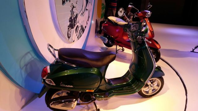vespa-sxl-vxl-pics-red-green-4