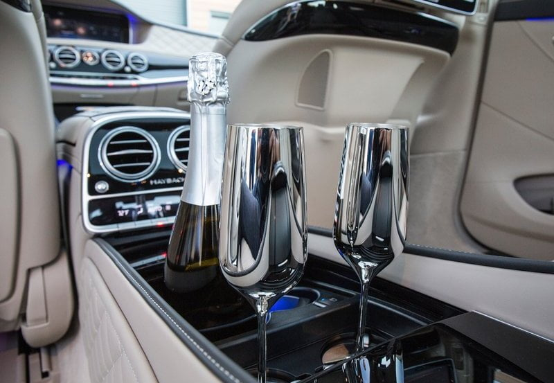 Mercedes maybach s600 india price launch pics specs for Mercedes benz maybach interior