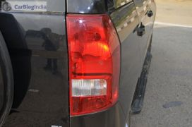 mahindra-tuv300-test-drive-review-black-tail-light