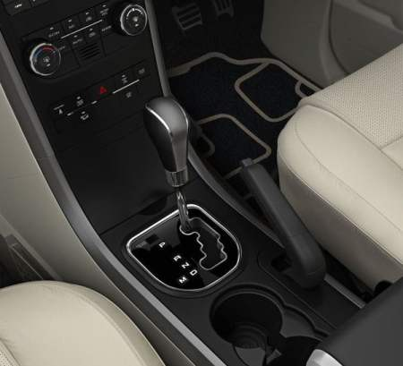 2015-mahindra-xuv500-automatic-gear-lever