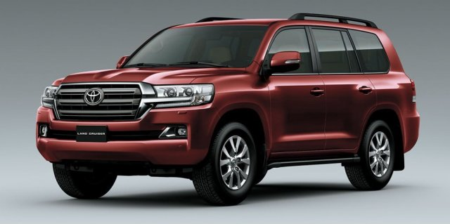 2015-toyota-landcruiser-200-india-official-pics-front-angle