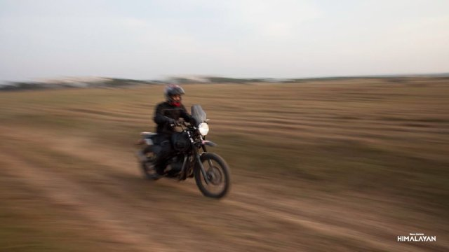 2017 royal enfield himalayan fuel injection images top speed